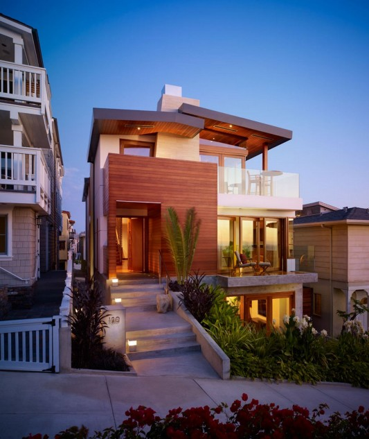 33rd Street Residence by Rockefeller Partners Architects Beach house front view