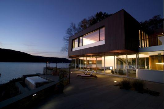 Custom Lake House Design by Della Valle Bernheimer Artreehouse