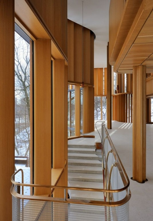 Beautiful Integral House by Shim-Sutcliffe Architects amazing curved stairs