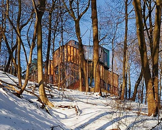Beautiful Integral House by Shim-Sutcliffe Architects hill house exterior