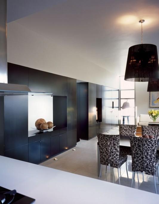Beautiful Minimalist M-House dining room and beauty lighting
