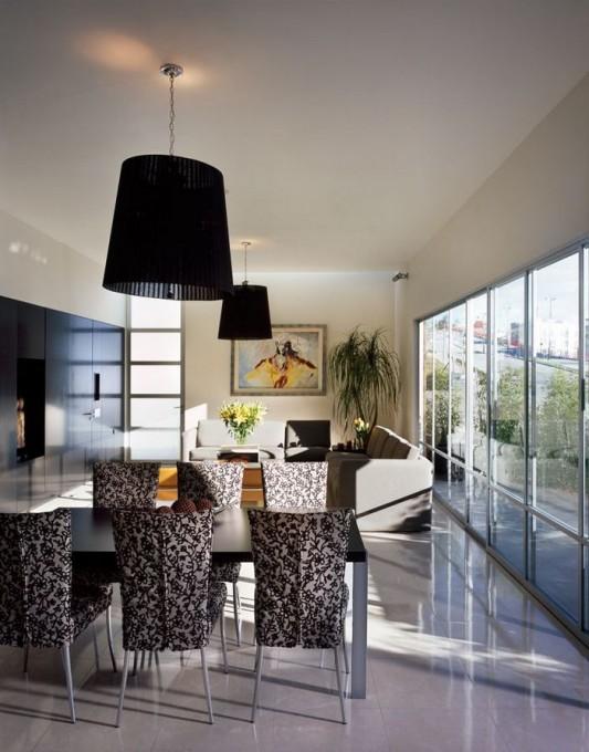 Beautiful Minimalist M-House dynamic interior decor