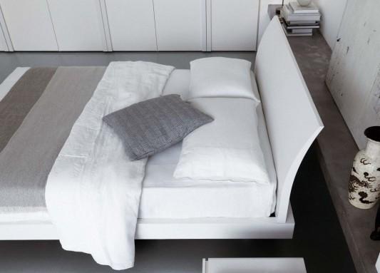 Bend modern contemporary master bedroom design