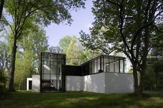 Black And White Minimalist House Design exterior design