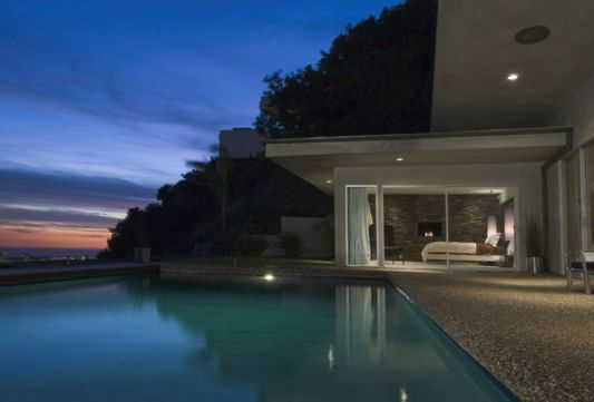 Byron Allen House Magnificent house design with swimming pool