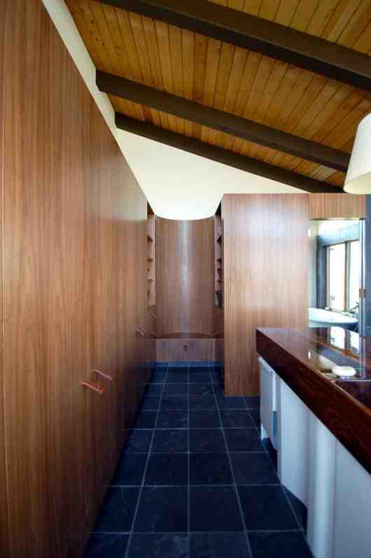 Classic bathroom design By Briyan Boyer