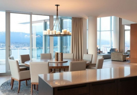 Comfortably Luxurious Penthouse in Fairmont Building dining room