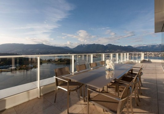 Comfortably Luxurious Penthouse in Fairmont Building outdoor roof