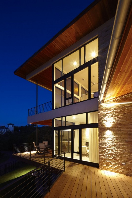 Custom Contemporary Lake Residence by Hsu Office of Architecture exterior lighting
