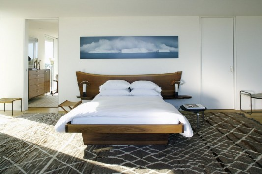 Dune Road Residence by Stelle Architects bedroom