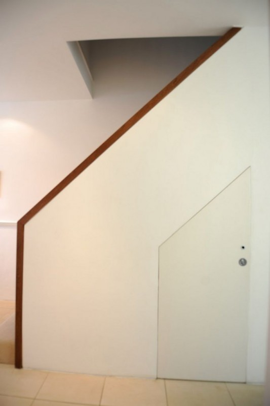 Faceted house - modern small residence stairs design