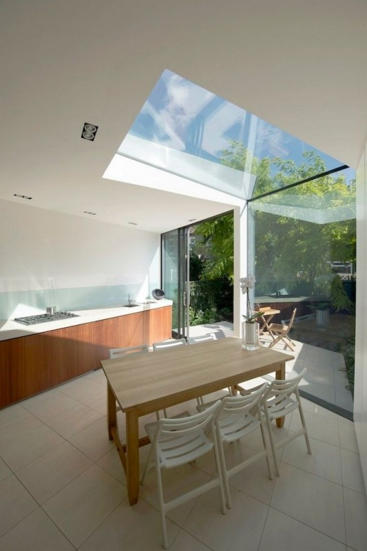 Faceted house - small house dining room with transparent roof
