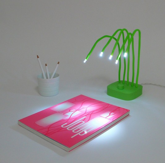 Fresh simple LED light desk lamp