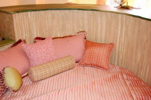 Girl bedtoom with pink color