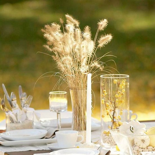 Golden Thanksgiving Centerpiece with naturally touch ideas