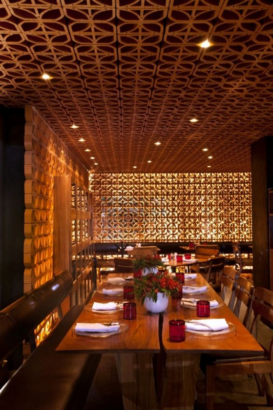 La Nonna beauty and artistic restaurant wall and ceiling design