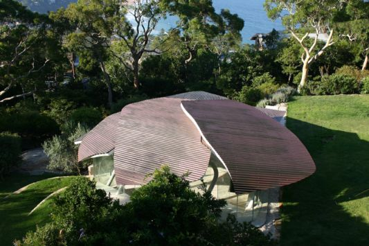Leaf House roof designs such as leaves fall