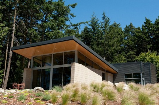Lopez Island Cabin by Stuart Silk Architects