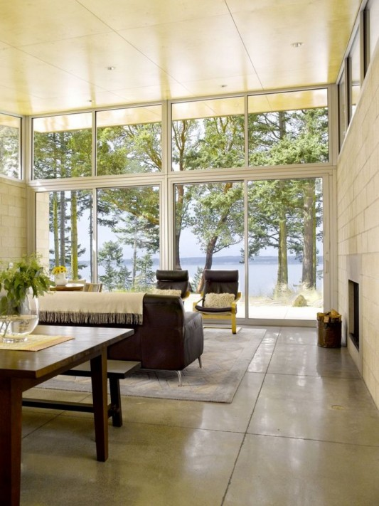 Lopez Island Cabin by Stuart Silk Architects transparent glass windows