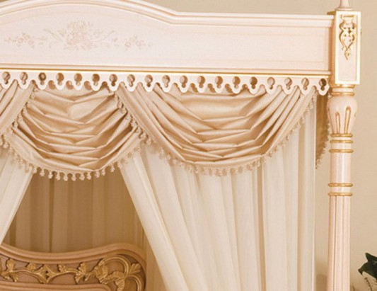 Luxurious classic canopy bed with 24-carat gold ornament