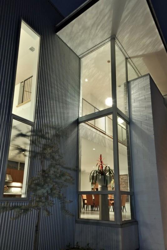Minimalist Laurel Residence for Comfortable Everyday living - windows tower