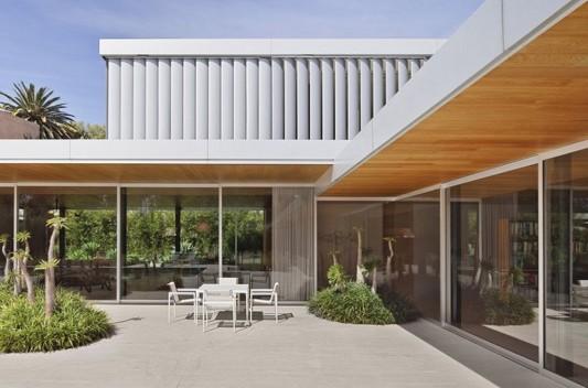 Modern Dwelling appreciating nature design extra terrace