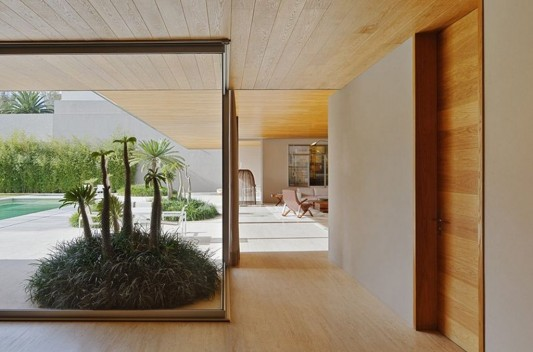 Modern Dwelling appreciating nature design large transparent window
