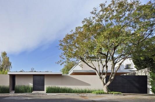 Modern Dwelling appreciating nature exterior design