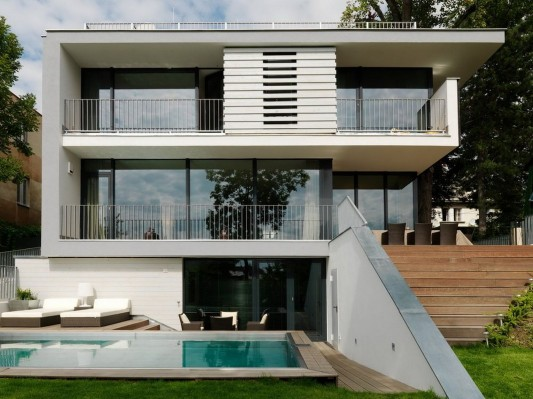 Modern Reconstruction House by Atelier Heiss Architects Minimalist design