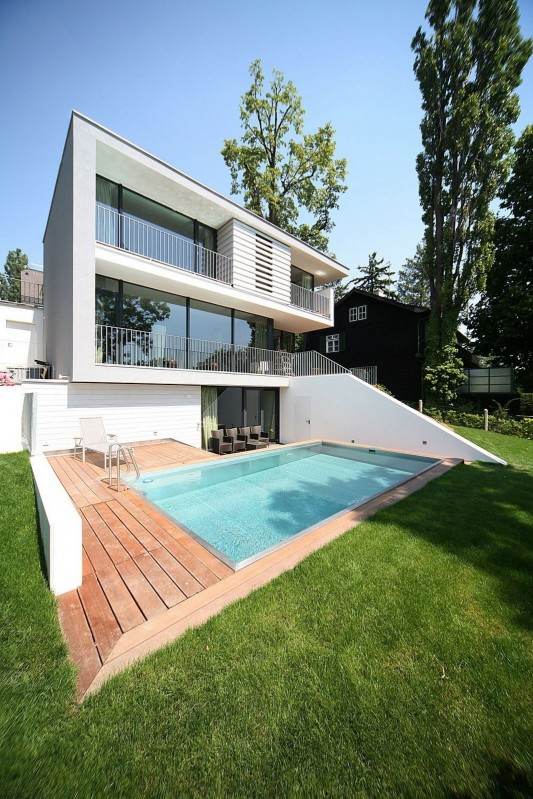 Modern Reconstruction House by Atelier Heiss Architects exterior design