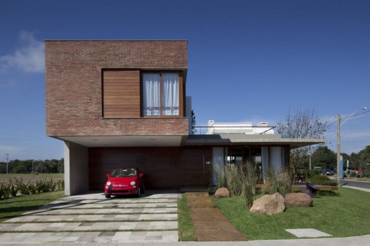 Modern and Naturally Maritimo House by Seferin Arquitectura carport