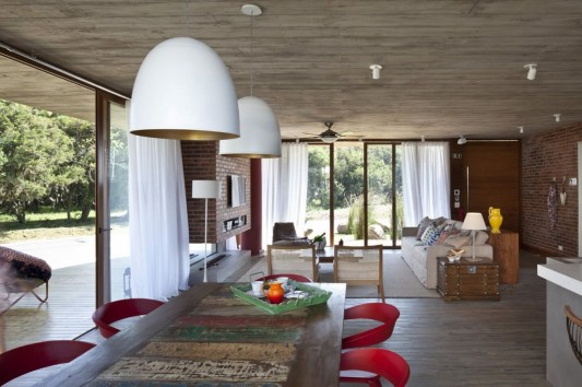 Modern and Naturally Maritimo House by Seferin Arquitectura dining room