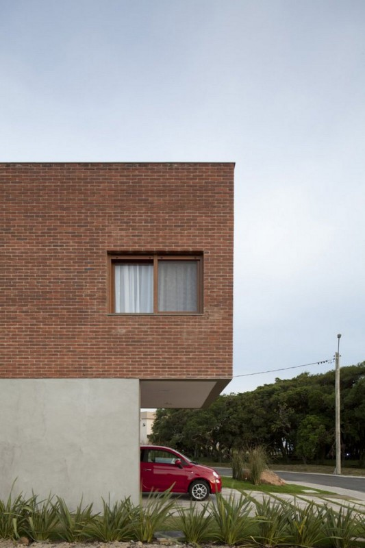 Modern and Naturally Maritimo House by Seferin Arquitectura wall
