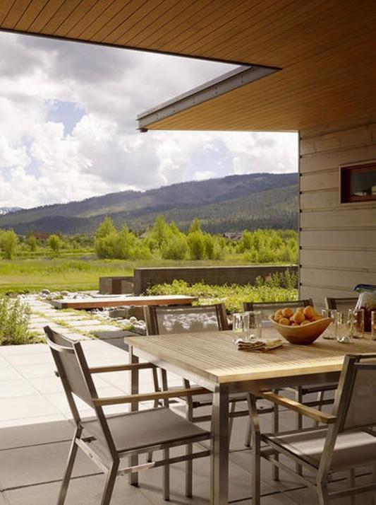 Peaks View Residence comfortable patio design ideas