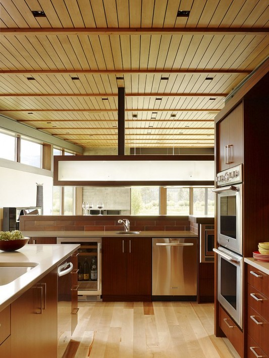 Peaks View Residence natural and modern kitchen decoration
