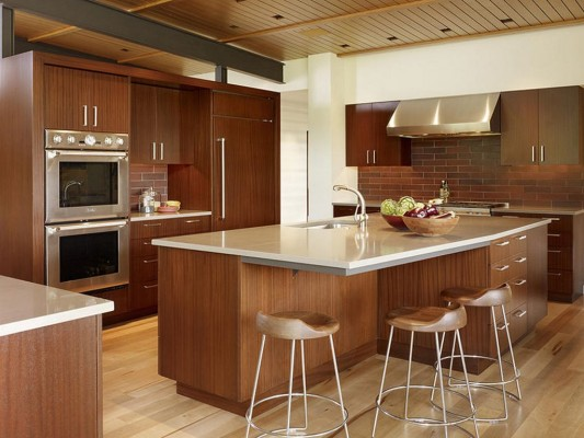 Peaks View Residence natural wooden kitchen island