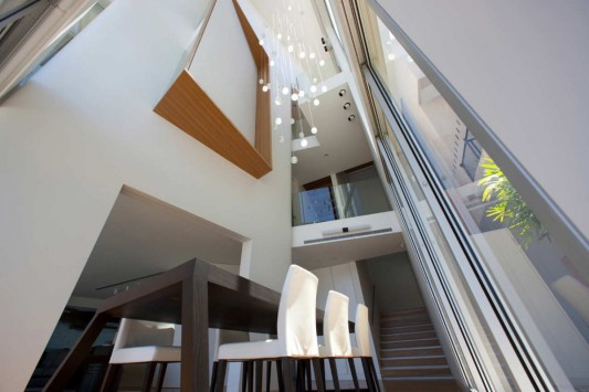 Point Piper House by POPOVbass Architects dining room