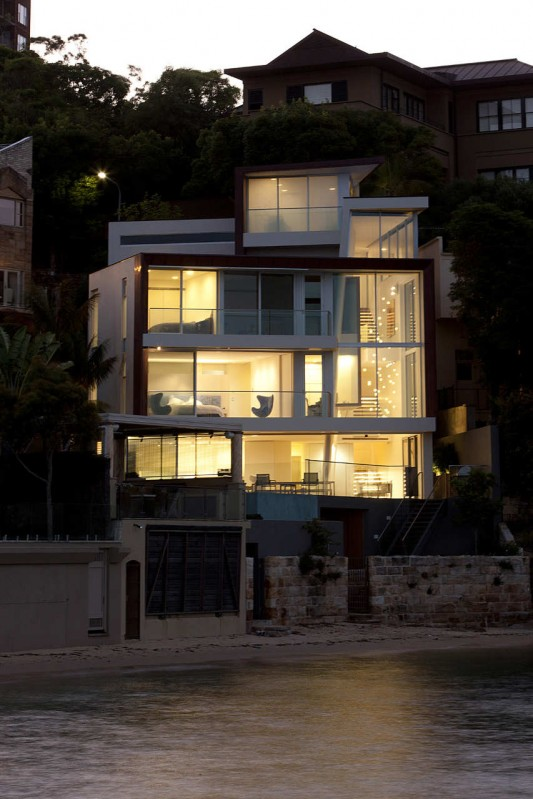 Point Piper House by POPOVbass Architects night view