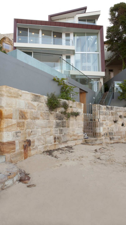 Point Piper House by POPOVbass Architects organic material