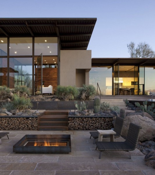 The Brown Residence by LakeFlato Architects outdoor patio