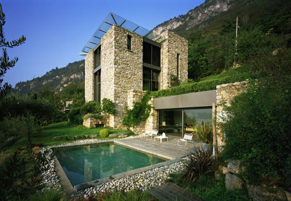 mazing house stone design