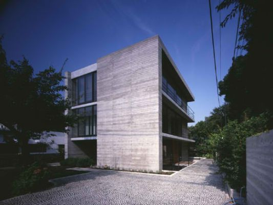 atelier in tsurumi contemporary house design