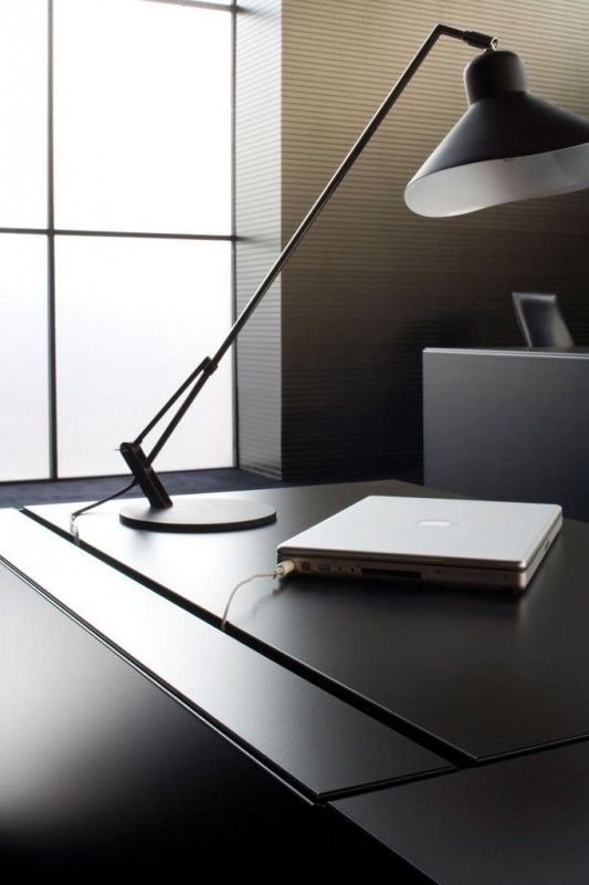 black elegant minimalist office desk