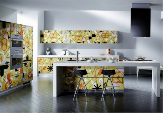 bright and colorful contemporary kitchen cabinets by Scavolini
