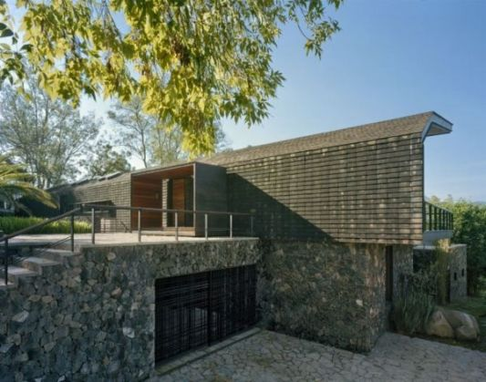 casa en el bosque design space for the protection of steel
