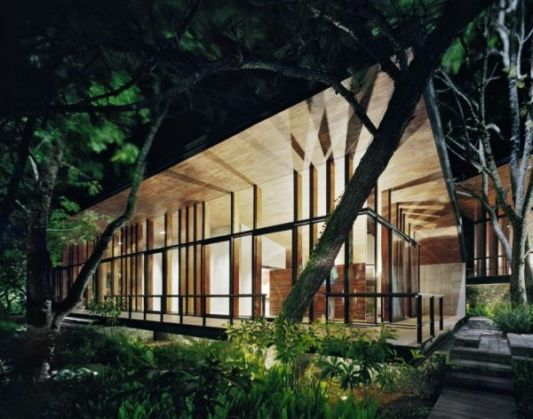 casa en el bosque night lighting ideas