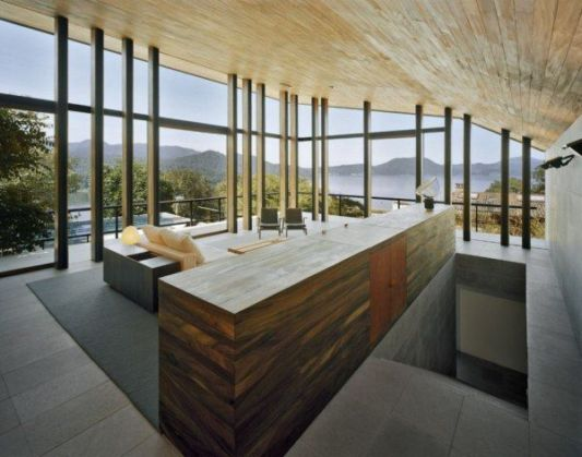 casa en el bosque wooden ceilings design