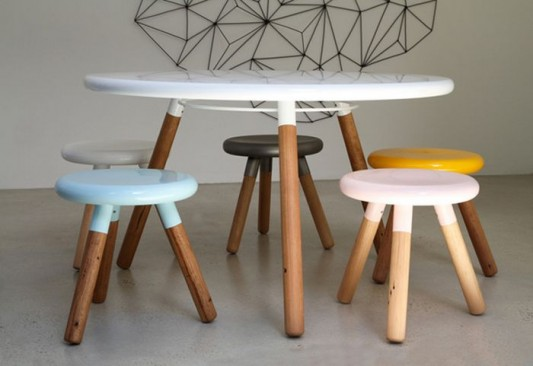 Cool And Funny Round Dining Table And Stool Design Spun By