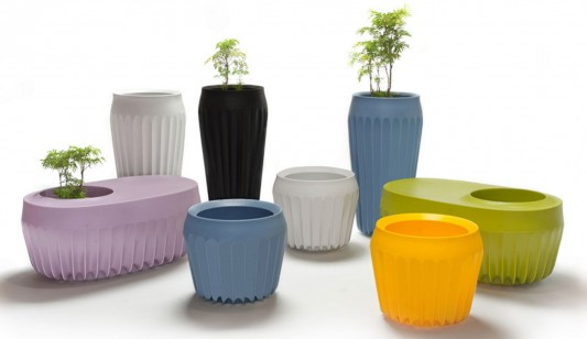 colorful fin pot outdoor furniture collection by Cilicon Faytory