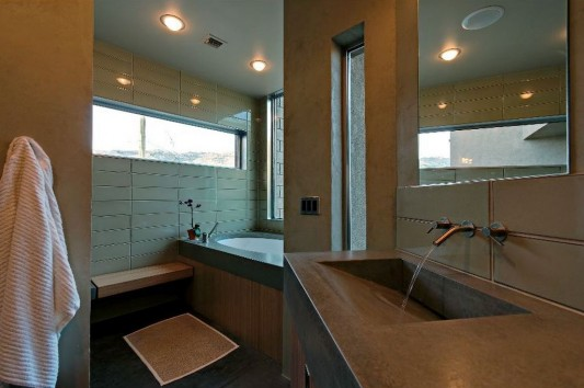 comfortable small minimalist bathroom design